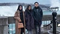 Sebelumnya Syahnaz dan Jeje sempat diledek Raffi Ahmad karena bulan madunya ditambah kehadiran Mama Amy. Dok. Instagram/syahnazs