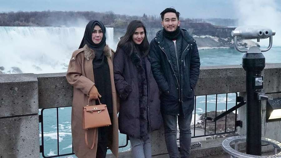 Indahnya Niagara dari Balkon Kamar Honeymoon Syahnaz dan Jeje