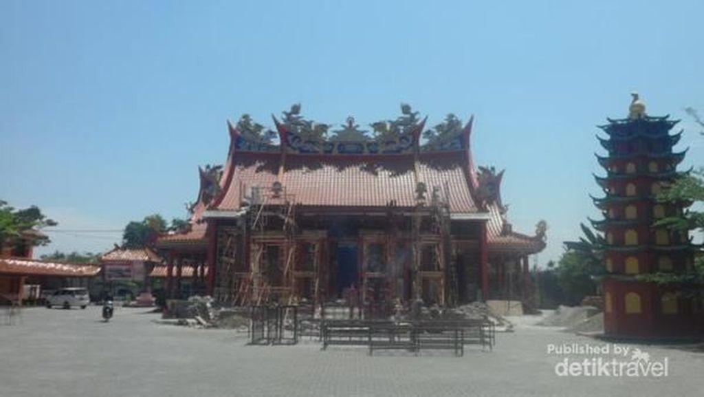 Main ke Vihara Tertua di Medan