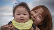 Keren! Pria Ini Hadiahi Istrinya Rp 12,6 Juta karena Berikan ASI untuk Bayinya