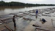 Ratusan Kayu Tak Bertuan Kembali Ditemukan di Sungai Sumsel