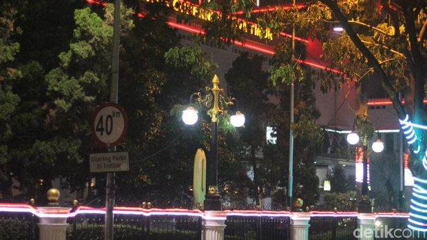 Secuil Cerita Tugu Nol Kilometer Kota Surabaya yang Terlupakan