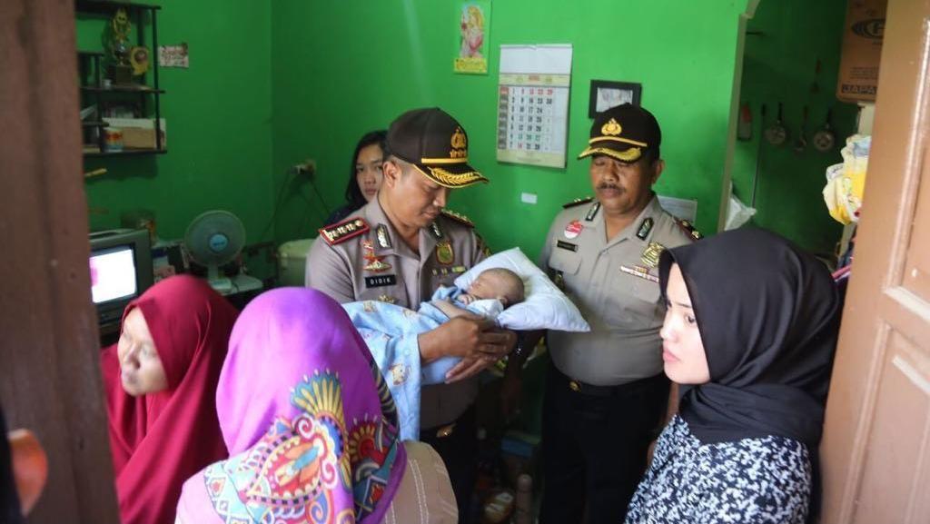 Detik-detik Bayi Aditya yang Diculik Diselamatkan Polisi