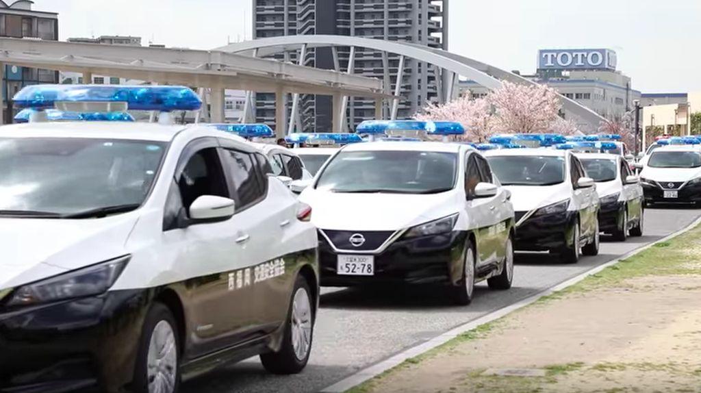 Lebih Maju, Polisi Jepang Pakai Mobil Listrik