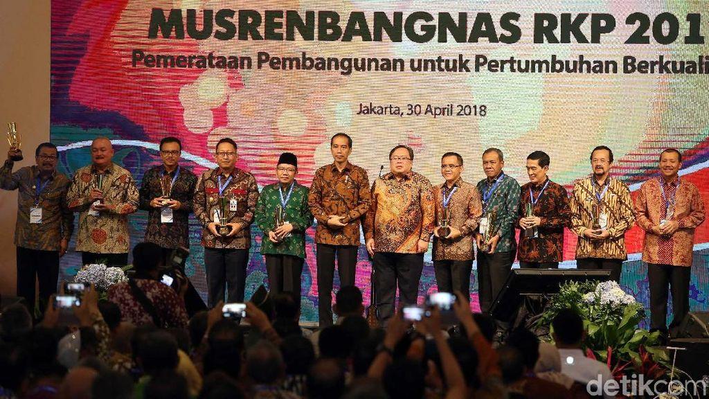 9 Pemda Ini Raih Penghargaan Perencanaan Pembangunan Terbaik
