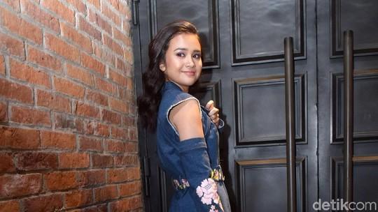 Kemesraan Dimas Anggara-Nadine, Raditya Dika Gelar Pengajian Jelang Nikah