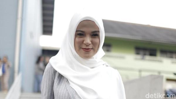 Delia Eks Ecoutez Ingin Ramadan Ini Lebih Dekat dengan Allah
