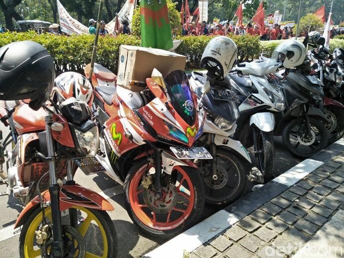 Motor-motor Keren yang Menemani Buruh di May Day