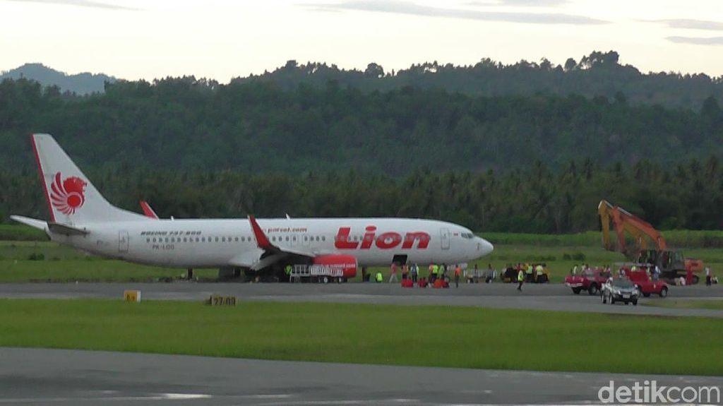 Lion Air yang Tergelincir di Gorontalo Belum Berhasil Dievakuasi