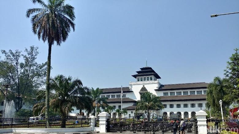 Foto: Ilustrasi Gedung Sate di Bandung (Tri Ispranoto/detikcom)