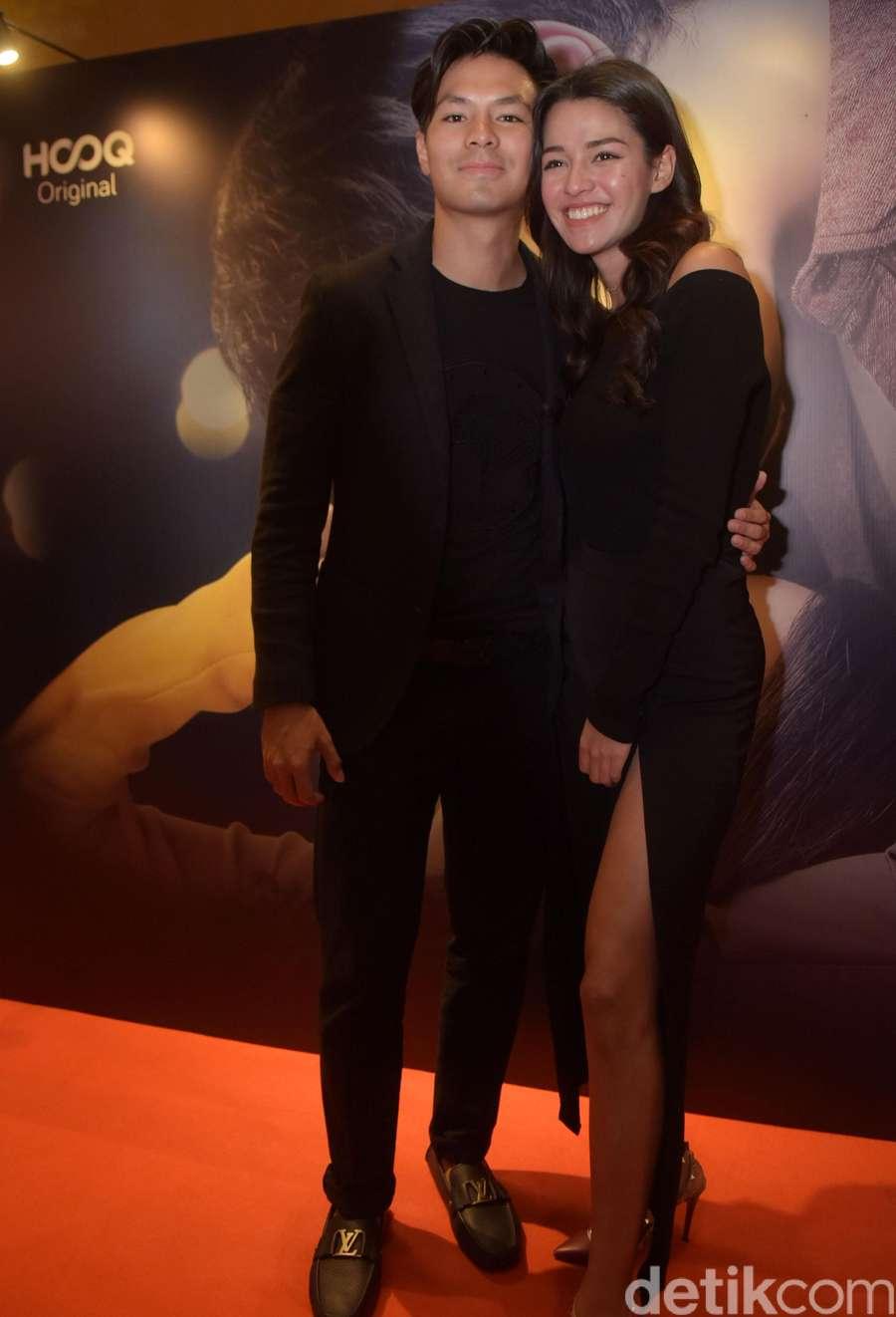 Hot Couple! Fero Walandouw dan Susan Sameh Tampil Serba Hitam