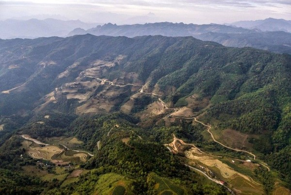 Dari Vietnam, Geopark Cao Bang merupakan salah satu yang baru diakui oleh UNESCO. Geopark yang satu ini dikenal karena bukit kapurnya yang dikeliling oleh sawah hijau dan sarat tradisi (dok unesco.org)