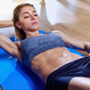 Bikin Heboh Tempat Gym, Wanita Muda Alami Serangan Jantung Saat Fitness