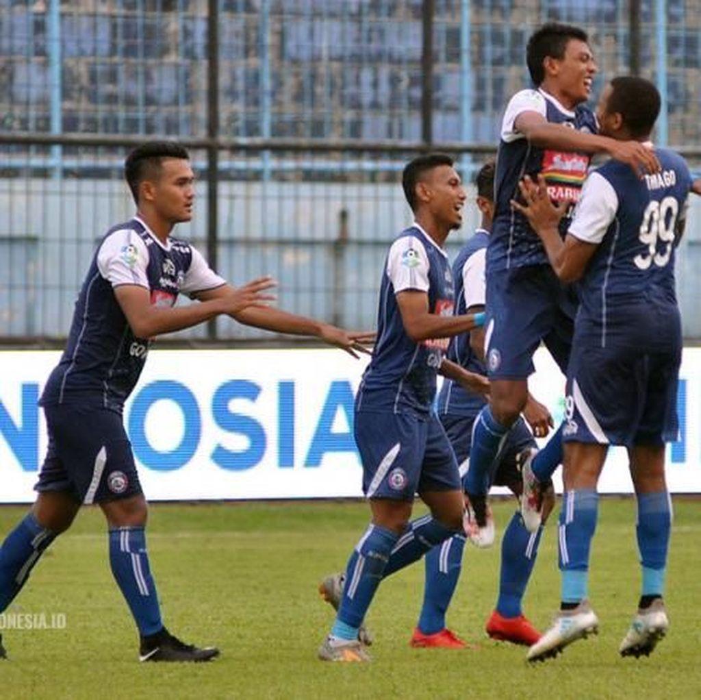 Arema Hadapi Bali United di Bawah Bayang-Bayang Degradasi