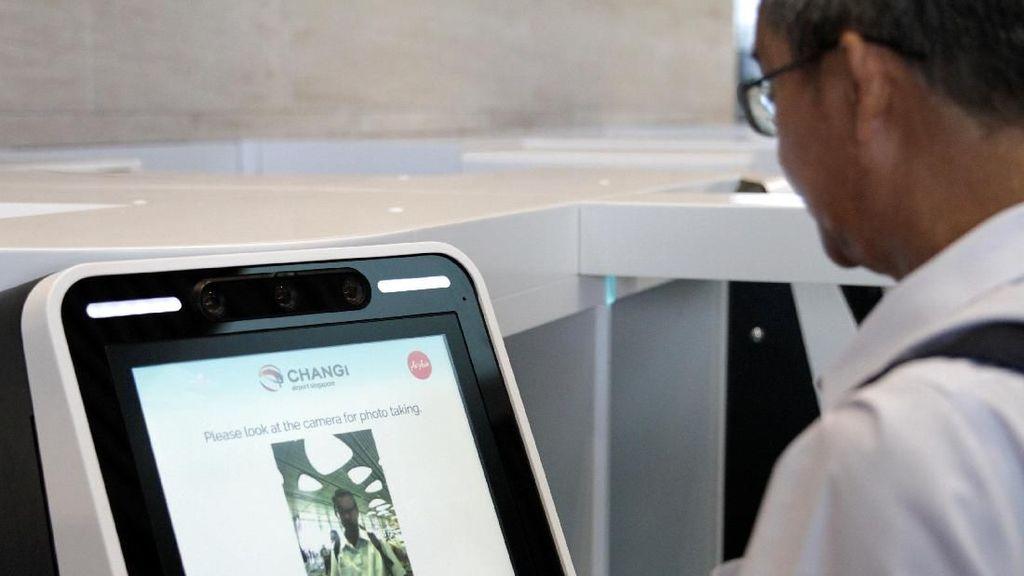 Singapura Uji Kamera Pengenal Wajah di Bandara Changi