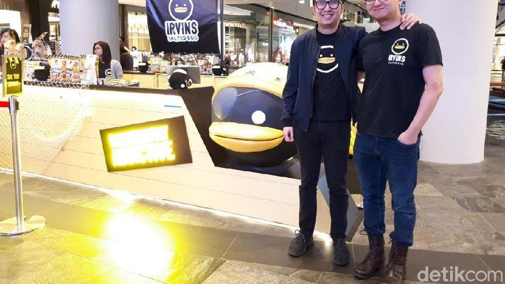 3 Bersaudara Asal Indonesia Sukses Jual Keripik Telur Asin di Singapura