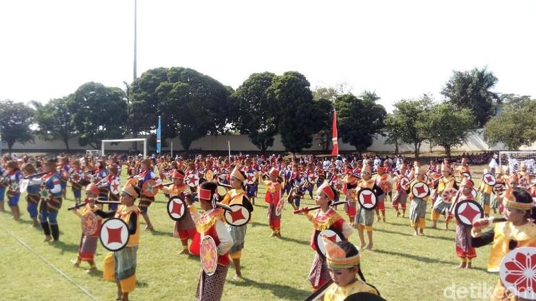 Hardiknas, Ribuan Siswa SD di Semarang Menari Keprajuritan