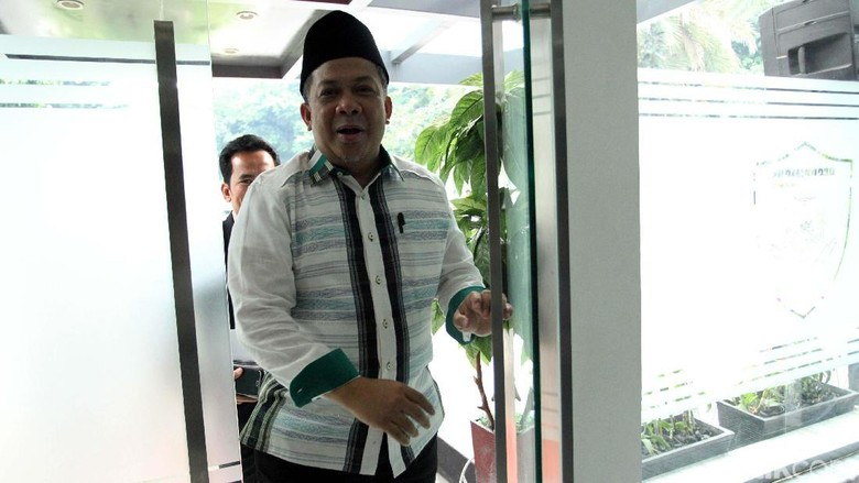 Akun @LawanPolitikJKW Di-suspend, Fahri Minta Twitter Tak Berpolitik