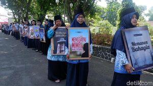 Keren! Peringati Hardiknas, 76 Guru di Banjarnegara Luncurkan Buku