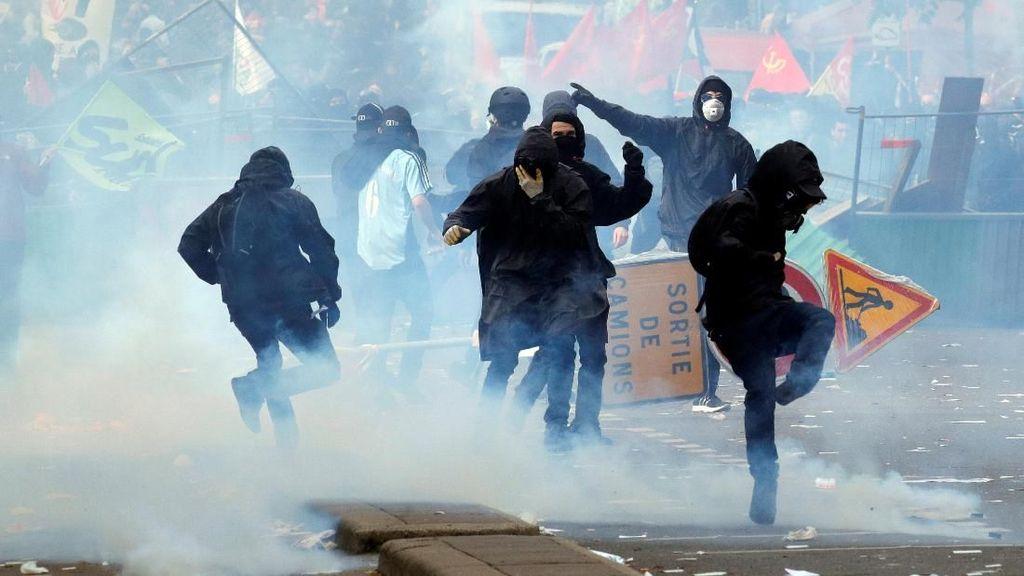 Unjuk Rasa Hari Buruh di Paris Ricuh, 109 Orang Ditahan