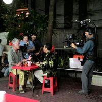 Mendiang Anthony Bourdain Pencinta Berat Makanan Kaki Lima