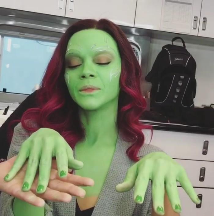 Yang baru-baru ini, ia juga mendapatkan peran sebagai Gamora di film The Avengers: Infinity War setelah sebelumnya berperan dengan karakter yang sama di film Guardians of the Galaxy. (Foto: Instagram/zoesaldana)
