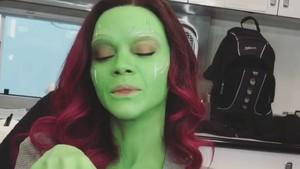 Zoe Saldana Gamora Dapatkan Hollywood Walk of Fame