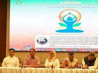 Menarik Turis India dengan Yoga