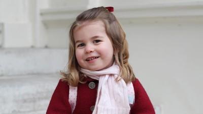 Cerita Putri Charlotte yang Sudah Melek Fashion