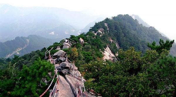 Masih dari China, ada Geopark Huanggang Dabieshan di Provinsi Hubei. Dahulu, geopark ini juga terbentuk karena kegiatan tektonik seperti saudaranya (dok unesco.org)