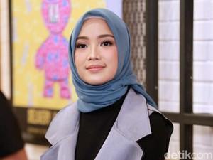 Hijab Tak Ganggu Aktivitas Chacha Frederica Berolahraga