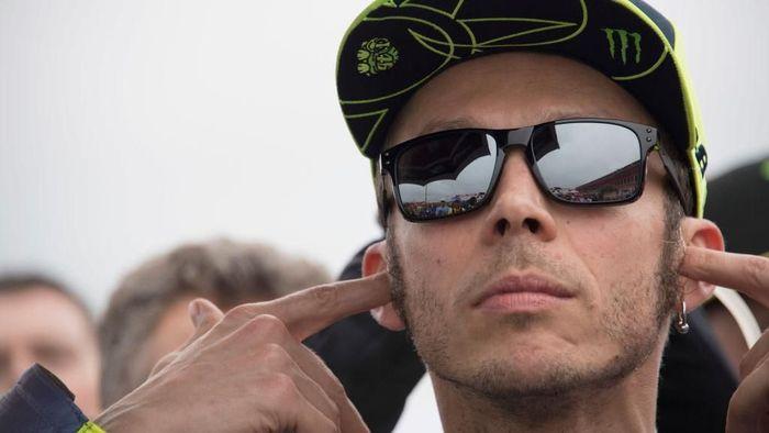 Valentino Rossi pede menghadapi MotoGP Prancis (Foto: Mirco Lazzari gp/Getty Images)