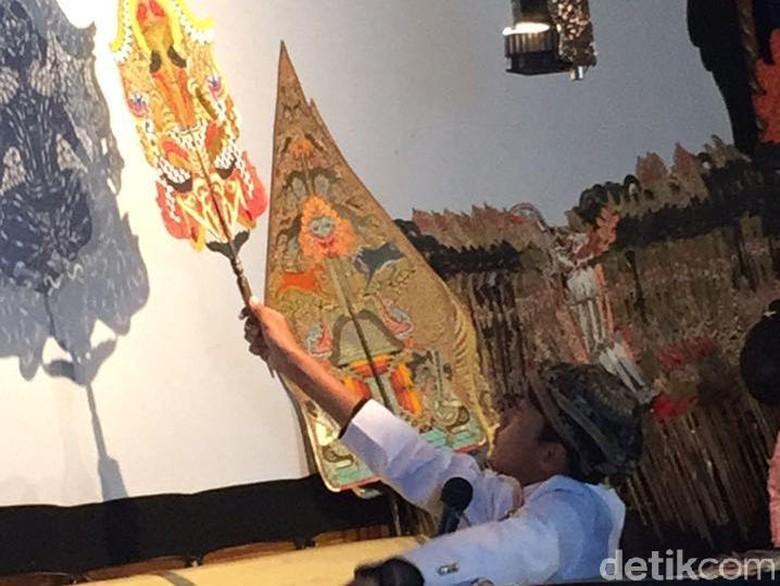 Kisah Gandhang, Jawara Festival Dalang Bocah dari Pacitan