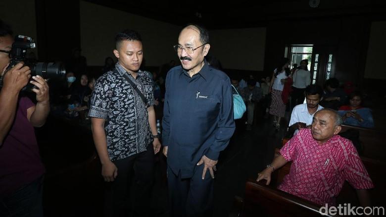 Fredrich Ditanya Lokasi Tabrakan Novanto: Emang Saya Lalu Lintas
