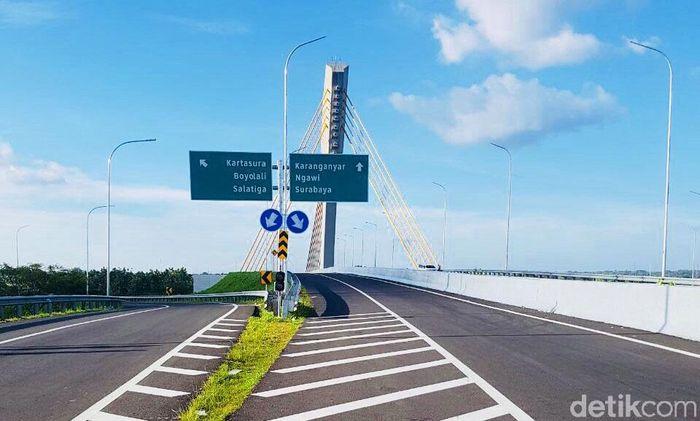 Ini adalah penampakan salah satu bagian dari ruas tol Solo-Ngawi seksi Kartosuro-Simpang Susun (SS) Sragen yang tengah dilakukan uji laik fungsi. Istimewa/Kementerian PUPR.