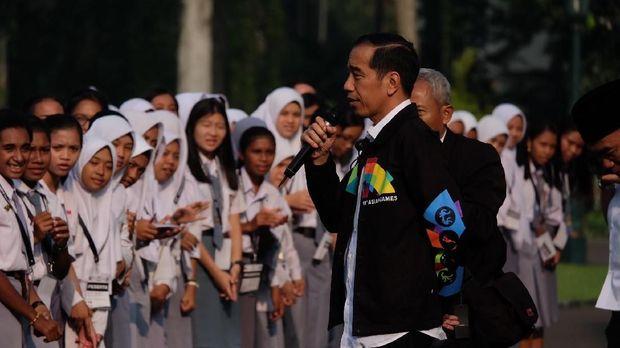 Jokowi pakai jaket Asian Games /