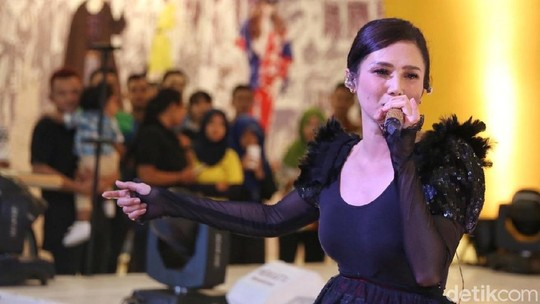 Pesona Mulan Jameela, Michelle Ziudith hingga Chacha Frederica