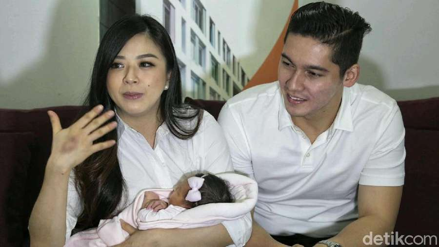 Cantiknya Nama Anak Pertama Franda dan Samuel Zylgwyn