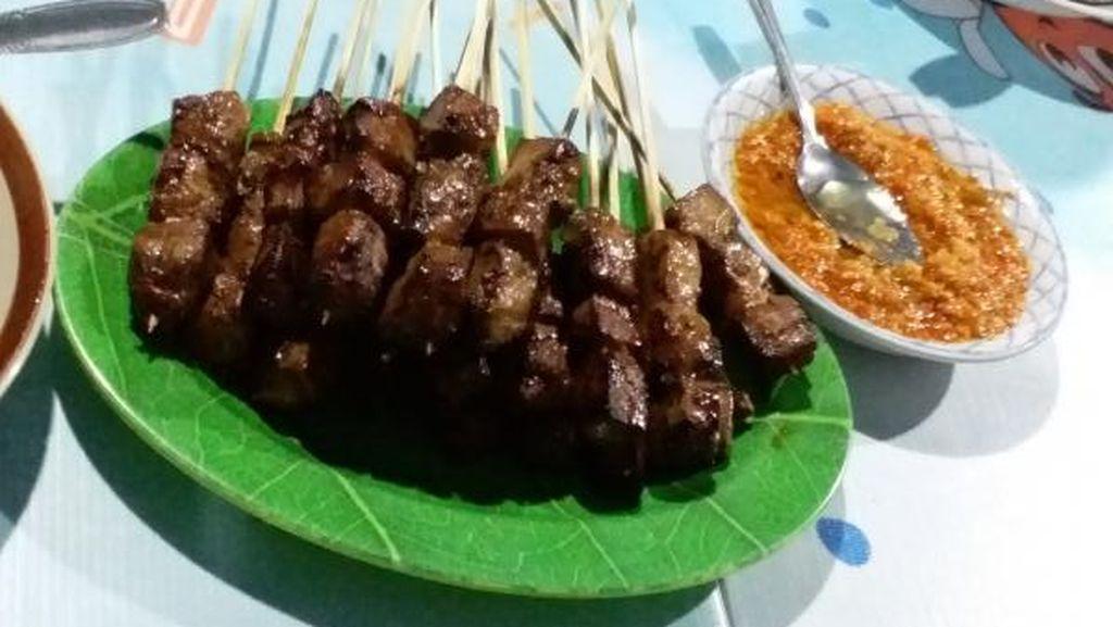 Jalan-jalan ke Gorontalo, Jangan Lupa Makan Sate Tuna