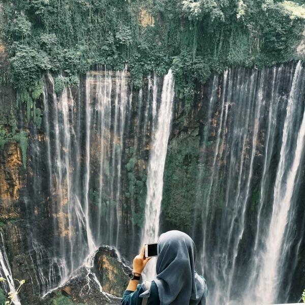 Coban Sewu juga disebut sebagai Niagara Falls-nya Indonesia lho. (Windra Aristiana/dTraveler)