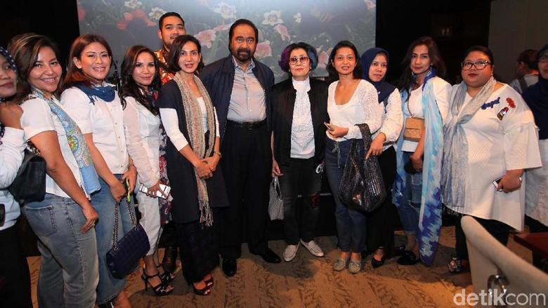 Surya Paloh dan Pengurus DPP NasDem Nobar Film Terbang: Menembus Langit
