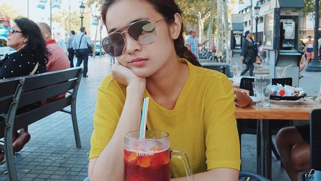 Ngopi hingga Makan Bibimbap Jadi Kesukaan si Cantik, Michelle Ziudith