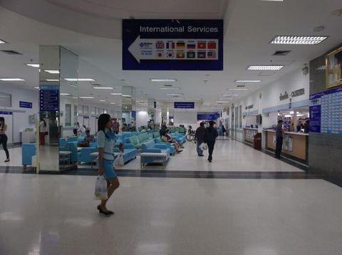 Suasana Yanhee Hospital di Bangkok, Thailand. Rumah sakit ini menawarkan prosedur ganti kelamin.