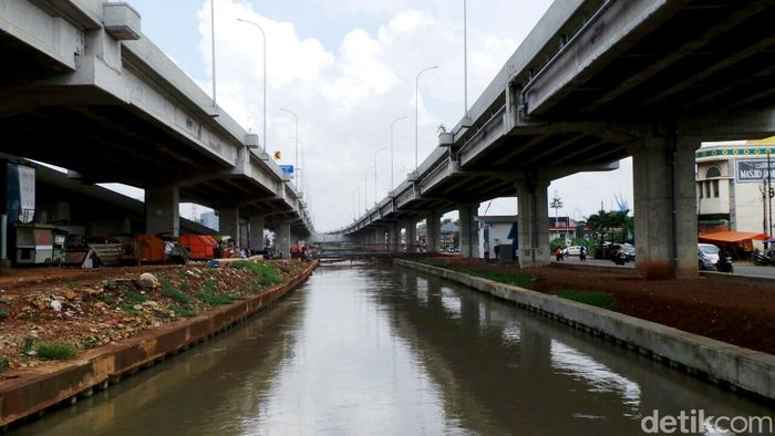 Begini penampakan terkini progres pembangunan ruas tol Becakayu (Bekasi-Cawang-Kampung Melayu) di kawasan Cipinang Melayu, Jumat (4/5/2018).