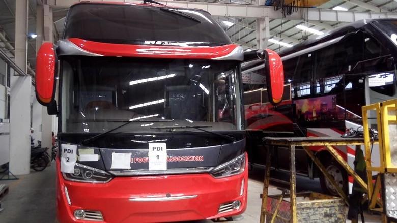 Bus keren buatan karoseri Laksana dikirim ke luar negeri tepatnya Fiji dan Bangladesh. Foto: Eko Susanto