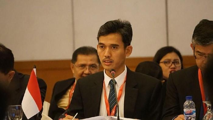 Chairman ASEAN Senior Officials Meeting on Youth (SOMY), Asrorun Niam Sholeh, bicara di depan forum. Pertemuan ini digelar di Hotel Grand Sahid Jaya Jakarta, 2-5 Mei 2018