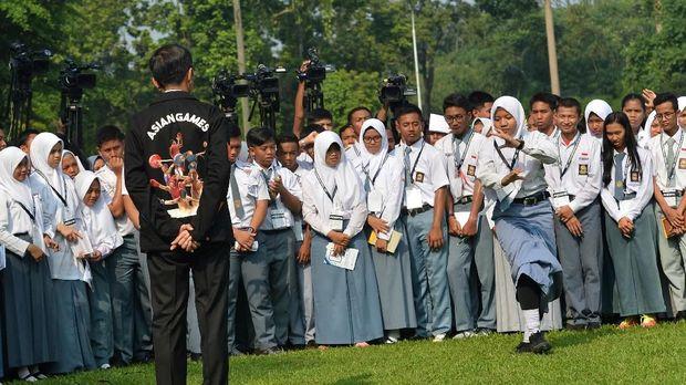 Drama 'Hijaber' di Era Soeharto (EMBG)