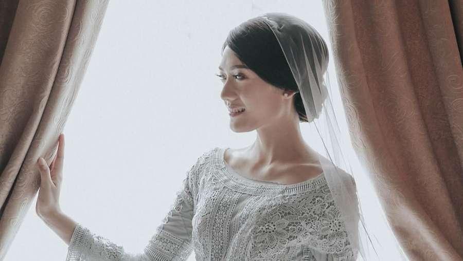 Penampilan Calon Istri Raditya Dika saat Pengajian Jelang Nikah
