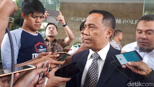 Pengacara Habib Rizieq Syihab, Sugito Atmo Prawiro di Bareskrim Polri, Jumat (4/5/2018)