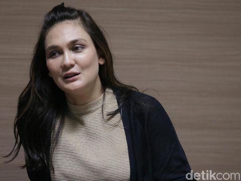 Luna Maya Saksikan Orang Kesurupan di Syuting Horor 'Sabrina'